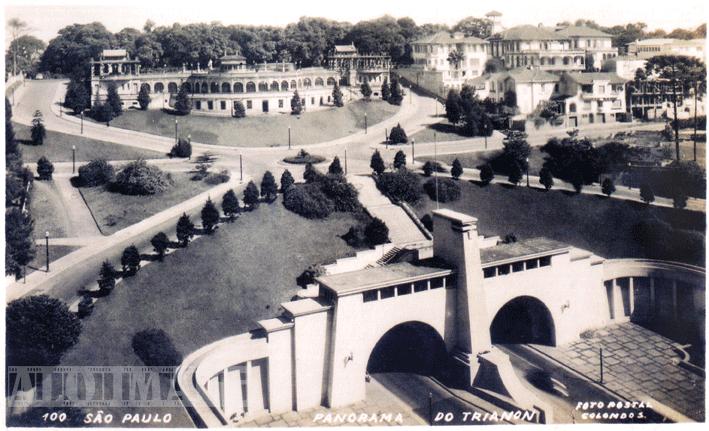 Avenida e Túnel 9 de Julho, sob o Trianon, por volta de 1945. Note o apurado paisagismo e a feição elegante do Belvedere, onde posteriormente seria construído o MASP.